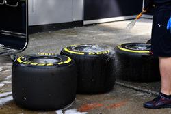 Gli pneumatici Pirelli vengono lavati