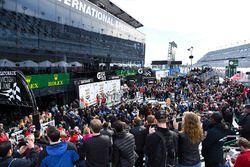 Podium: race winners Ricky Taylor, Jordan Taylor, Max Angelelli, Jeff Gordon, Wayne Taylor Racing, G
