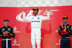 Podium: race winner Lewis Hamilton, Mercedes AMG F1, second place Max Verstappen, Red Bull Racing, t
