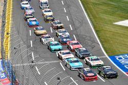 Austin Dillon, Richard Childress Racing Chevrolet y Justin Allgaier, JR Motorsports Chevrolet