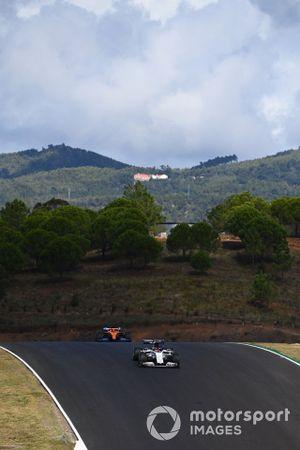 Daniil Kvyat, AlphaTauri AT01, Carlos Sainz Jr., McLaren MCL35