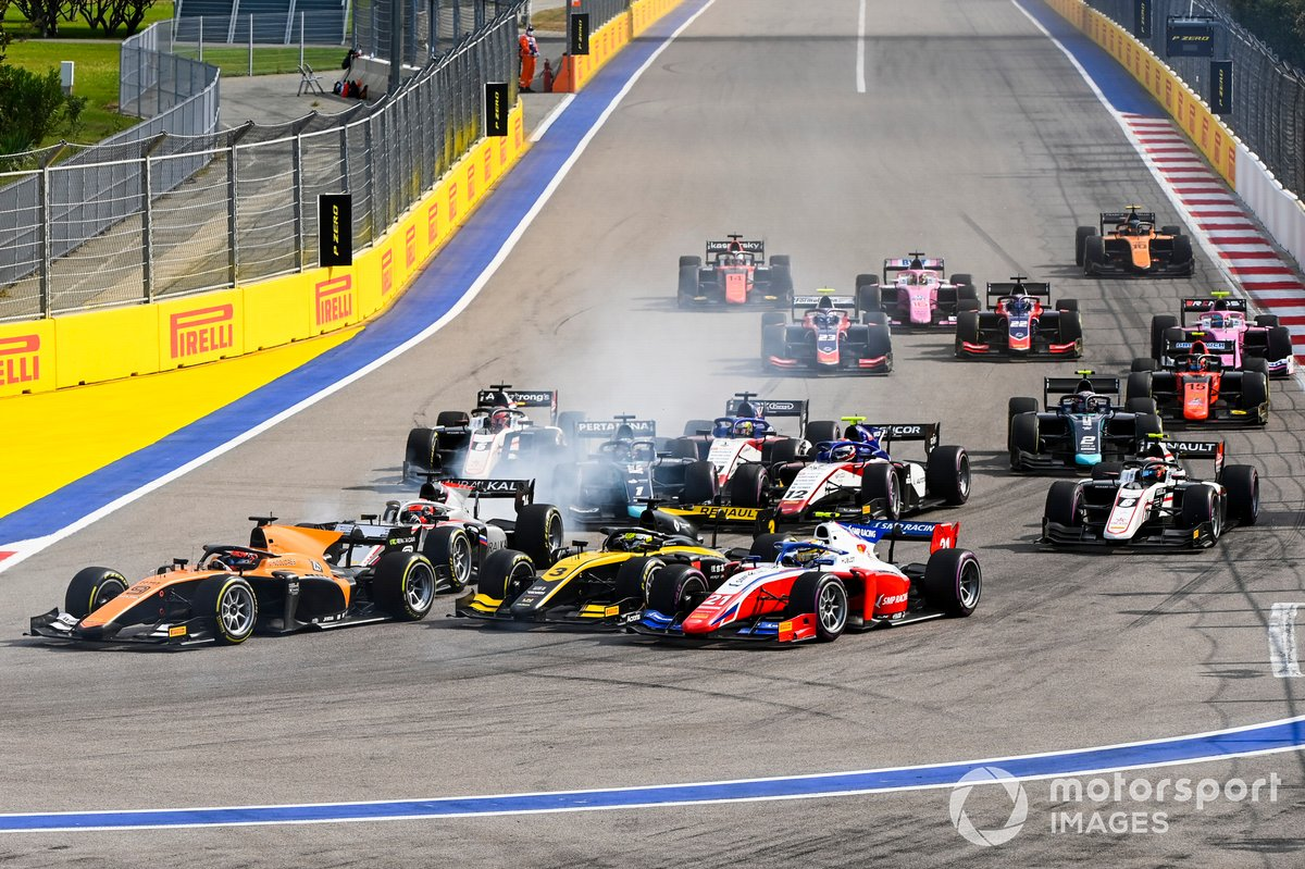Robert Shwartzman, Prema Racing, Guanyu Zhou, UNI-Virtuosi, Nikita Mazepin, Hitech Grand Prix al inicio