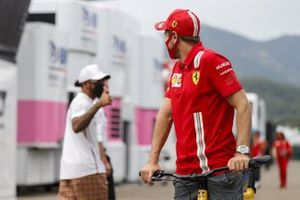 Lewis Hamilton, Mercedes-AMG F1 gives Sebastian Vettel, Ferrari a thumbs up