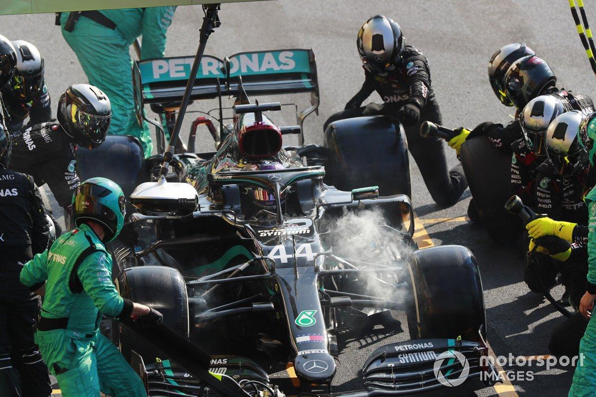 Lewis Hamilton, Mercedes F1 W11, pit stop