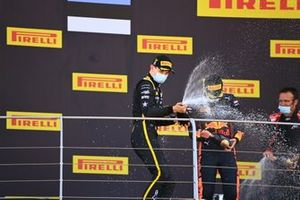 Winner Christian Lundgaard, ART Grand Prix celebrates on the podium and sprays champagne with Juri Vips, Dams