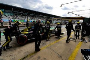 Esteban Ocon, Renault F1 Team R.S.20, is retired from the race