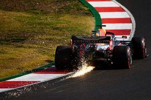 Vonken bij Max Verstappen, Red Bull Racing RB16