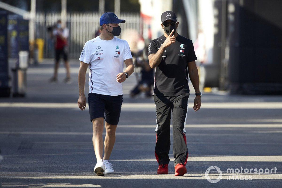 Valtteri Bottas, Mercedes-AMG F1 e Lewis Hamilton, Mercedes-AMG F1