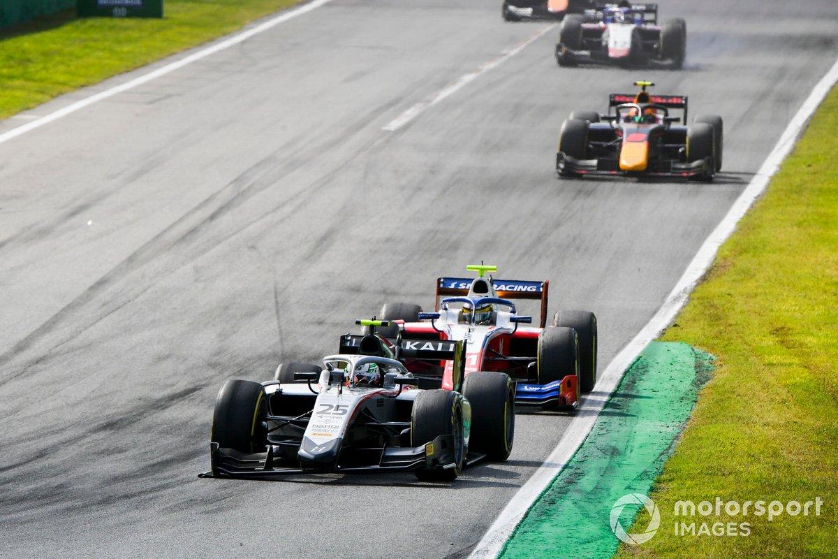 Luca Ghiotto, Hitech Grand Prix y Robert Shwartzman, Prema Racing
