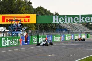Pierre Gasly, AlphaTauri AT01, 1st position, Carlos Sainz Jr., McLaren MCL35, 2nd position,