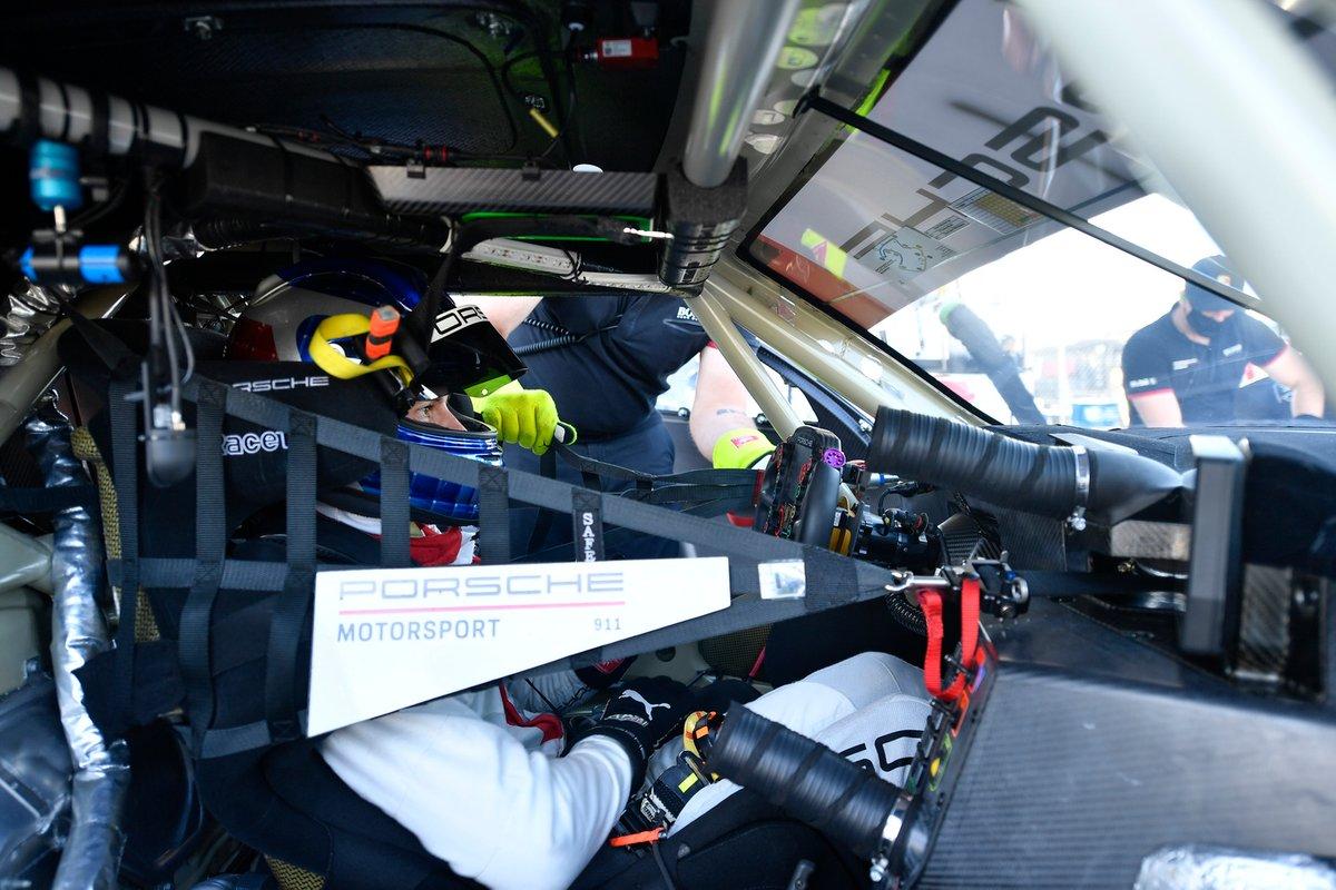 #911 Porsche GT Team Porsche 911 RSR - 19, GTLM: Fred Makowiecki