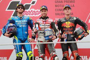 Podium : le vainqueur Andrea Dovizioso, Ducati Team, le deuxième, Alex Rins, Team Suzuki MotoGP, le troisième, Pol Espargaro, Red Bull KTM Factory Racing