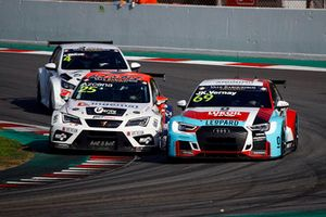 Mikel Azcona, PCR Sport Cupra TCR, Jean-Karl Vernay, Leopard Lukoil Team Audi RS3 LMS TCR