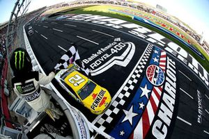 Ryan Blaney, Team Penske, takes the checkered flag