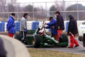 Johnny Herbert rencontre des problèmes avec la Jaguar R1