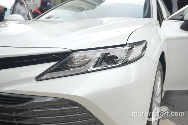 Lampu All New Toyota Camry V