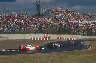 Ayrton Senna, McLaren MP4/8 Ford, Eddie Irvine, Jordan 193 Hart, Damon Hill