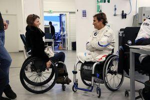 Натали Макглойн, FIA Disabilty and Accessibility Commission, и Алессандро Дзанарди, BMW M8 GTE