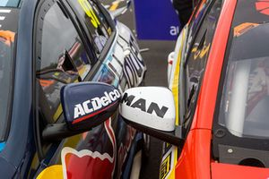 Mirrors detail of race winner Shane van Gisbergen, Triple Eight Race Engineering Holden, second place Scott McLaughlin, DJR Team Penske