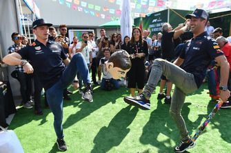 Max Verstappen, Red Bull Racing and Daniel Ricciardo, Red Bull Racing play keep up with the Daniel Ricciardo, Red Bull Racing Mexican Pinata Paper Mache figures head