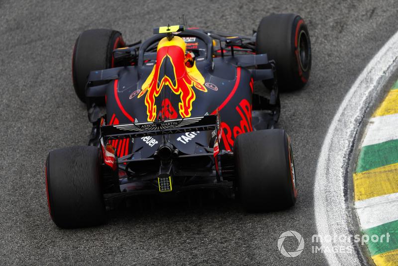 Второе место в гонке стало лучшим результатом Макса Ферстаппена в Бразилии. Он в 21-й раз в Ф1 и в четвертый раз подряд поднялся на подиум – это самая успешная серия Макса
