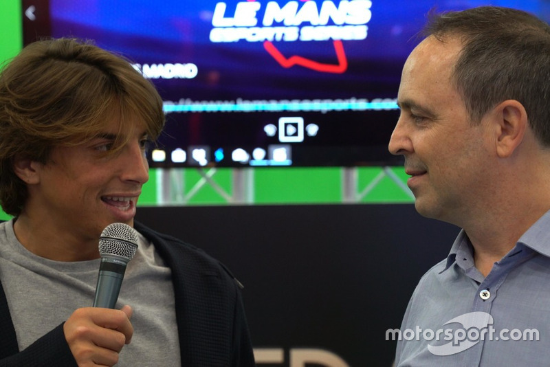 Jacobo Vega y Roberto Merhi, en la Madrid Games Week