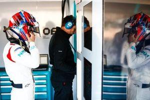 Jake Hughes, NIO Formula E Team, NIO Sport 004