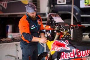 KTM mechanic
