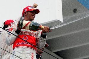 Podio: il terzo classificato Lewis Hamilton, McLaren