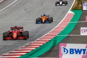 Charles Leclerc, Ferrari SF21, Daniel Ricciardo, McLaren MCL35M