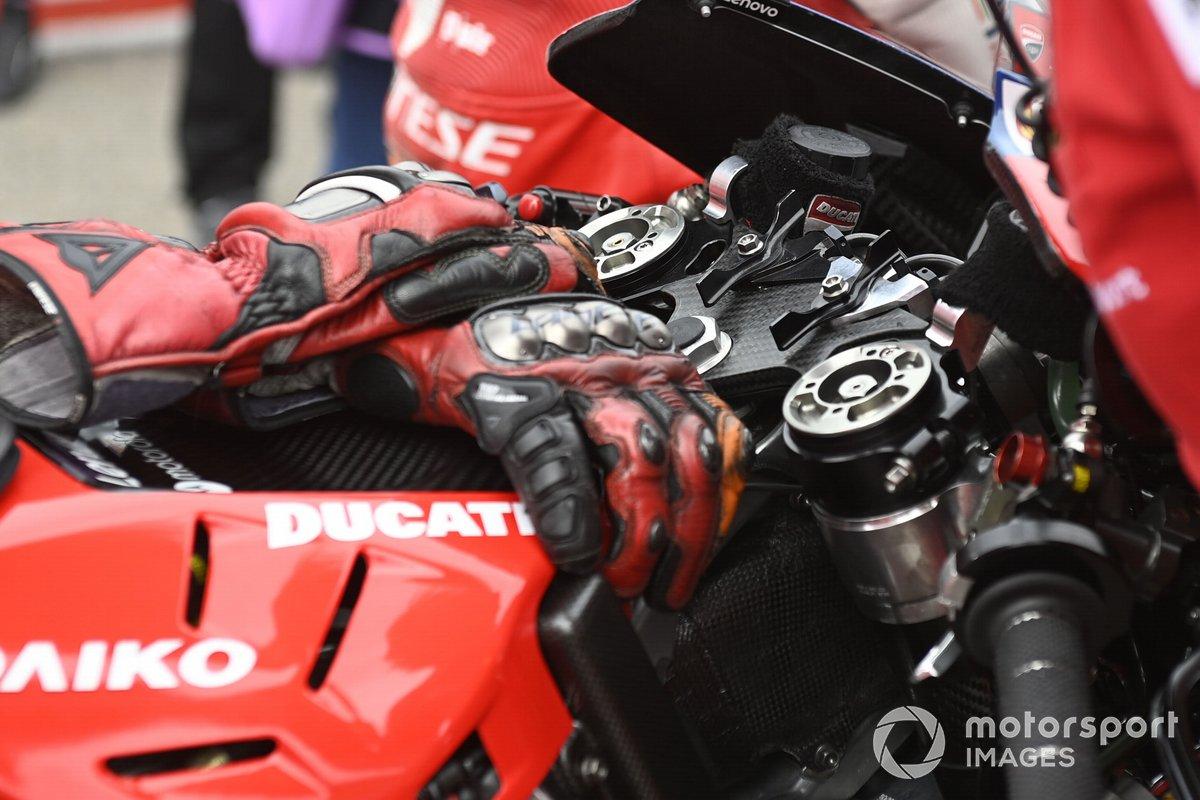 Cambio Ducati, cruscotto
