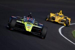 Ed Jones, Dale Coyne Racing with Vasser Sullivan Honda, Scott McLaughlin, Team Penske Chevrolet