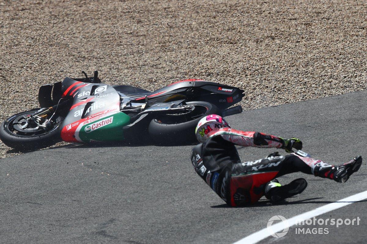Aleix Espargaró, Aprilia Racing Team Gresini crash
