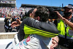 Helio Castroneves, Meyer Shank Racing Honda, Simon Pagenaud, Team Penske Chevrolet