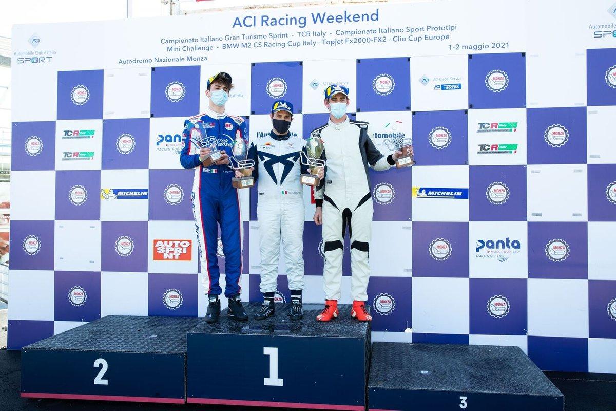 Il podio di Gara 2: Secondo posto Eric Brigliadori, BF Motorsport, Audi RS 3 LMS TCR, primo posto Salvatore Tavano, Scuderia del Girasole by Cupra Racing, Cupra Leon Competición TCR, terzo posto Kevin Ceccon, Aggressive Team Italia, Hyundai i30 N TCR