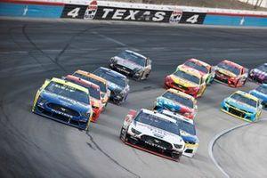 Ryan Blaney, Team Penske, Ford Mustang Menards/Wrangler, Brad Keselowski, Team Penske, Ford Mustang Discount Tire
