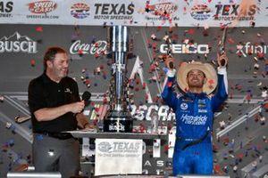Kyle Larson, Hendrick Motorsports, Chevrolet Camaro HendrickCars.com celebrates his win in Victory Lane