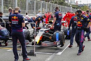 Max Verstappen, Red Bull Racing RB16B, arrives on the grid