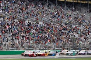 Kyle Busch, Joe Gibbs Racing, Toyota Camry Skittles Gummies, Joey Logano, Team Penske, Ford Mustang Shell Pennzoil