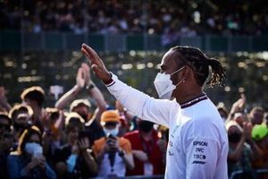 Lewis Hamilton, Mercedes waves at the crowd