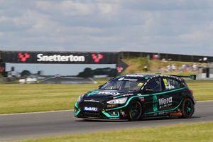 Jessica Hawkins, Motorbase Performance Ford Focus ST
