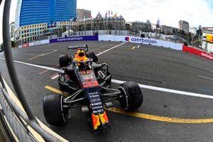 Машина Макса Ферстаппена, Red Bull Racing RB16B, после аварии