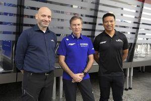 Razlan Razali, fundador y director del equipo RNF Racing, Matteo Ballarin, presidente de Europe Energy Group, Lin Jarvis, director general de Yamaha Motor Racing