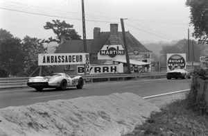 Hermann chases Ickx Le Mans 1969