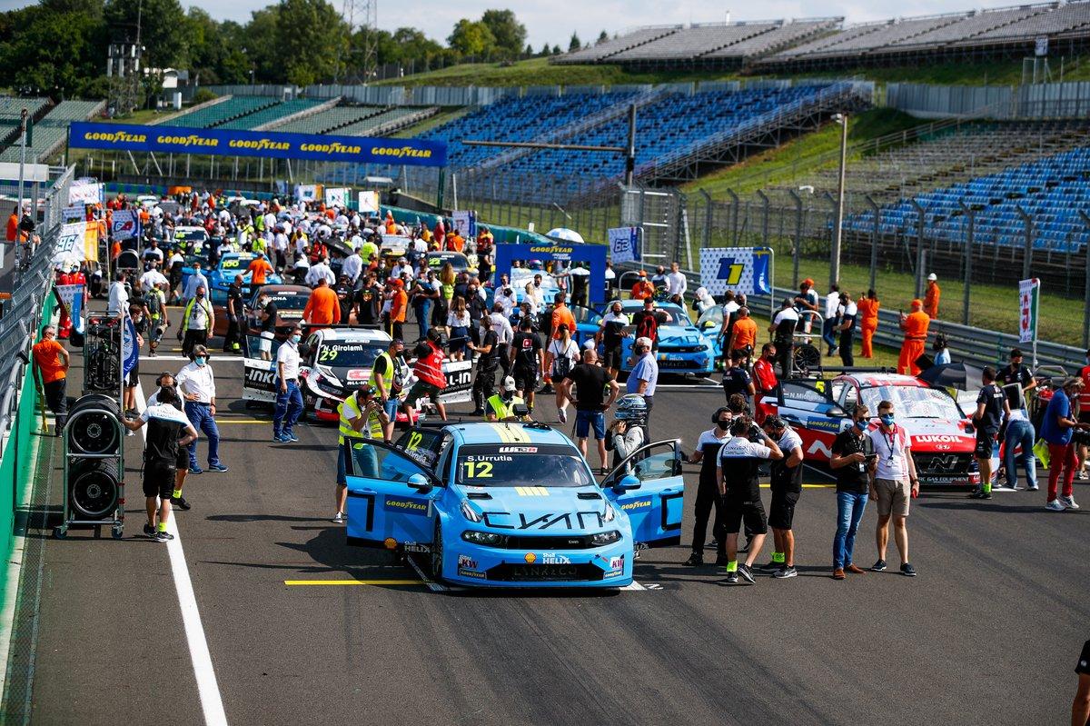 Starting grid, Santiago Urrutia, Cyan Performance Lynk & Co Lynk & Co 03 TCR