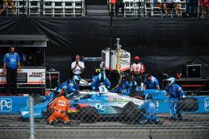 Scott McLaughlin, Team Penske Chevrolet, pit stop