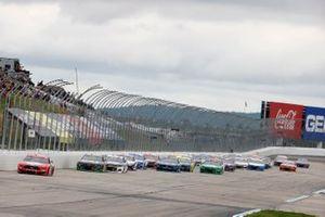 NASCAR-Action auf dem New Hampshire Motor Speedway in Loudon