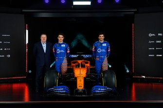 Carlos Sainz Jr., McLaren, Lando Norris, McLaren, Zak Brown, Executive Director, McLaren