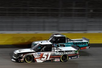 Kyle Busch, Kyle Busch Motorsports, Toyota Tundra Cessna, Johnny Sauter, ThorSport Racing, Ford F-150 Tenda
