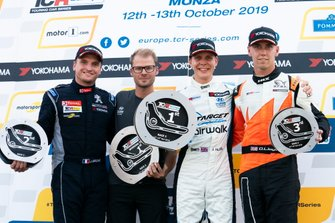 Podium: Race winner Josh Files, Target Competition Hyundai i30 N TCR, second place Julien Briché, JSB Compétition Peugeot 308 TCR, third place Daniel Lloyd, Brutal Fish Racing Team Honda Civic Type R
